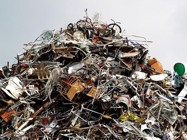 metal-scrap-1576958-640x480